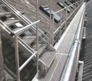 Passerelle toiture en aluminium - Sur mesure