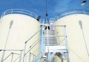 Passerelles d'accès sur cuveries - Cuveries pétrochimiques