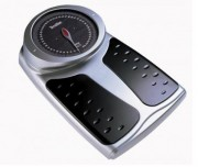 Pèse personne médical mécanique avec tapis antidérapant - Portée : 180 kg- Dimensions : 51.2 x 33.3 x 14.9 cm