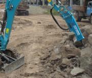 Pince à rotateur hydraulique pour manutention chantier - Pinces de préhension pour mini pelles 4 à 8 tonnes