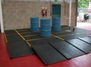 Plancher de rétention pour fûts - Capacité : 120 ou 240 Litres - En PEHD