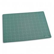 Plaque de découpe verte 900x600x3mm. Résistante à la coupe, surface quadrillée - JPC
