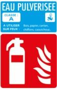 Plaque signalétique d'extincteur - Donne en détails le type de feu à éteindre avec l'extincteur