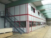 Plateforme de stockage avec bureaux - Structure auto-porteuse évolutive
