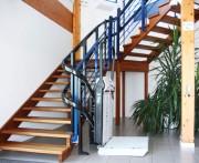 Plateforme élévatrice oblique - Fixation sur les marches ou au mur