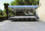 Podium démontable modulable - Hauteur réglable avec et sans couverture