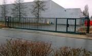 Portail coulissant industriel - Hauteur : 2 m - Largeur : 12 m