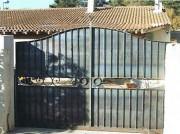 Portails en fer sur mesure - Fabrication artisanale en acier - Barreaux pleins
