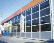 Porte industrielle vitrée - Vantaux à éffacement latéral