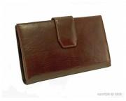 Portefeuille avec languette femme en cuir - Dimension (L x h) : 19 x 11 cm - 2 compartiments et 2 poches