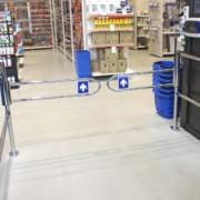 Portillon magasin - La longueur du portillon est ajustable (de 1785 à 2460 mm)