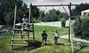 Portique bois à plateforme 4 jeux - Longueur hors tout : 3.90 m - Hauteur de la poutre : 2.50 m