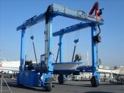 Portique élévateur à bateaux sur roues - Fabrication sur mesure - Gamme 7 à 800 tonnes.