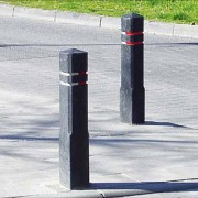 Potelet de ville en plastique recyclé - Dimensions (L x l x H) cm : 14 x 14 x 140