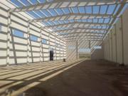 Poutre béton pour soutien toiture industrielle - Elément de structure pour soutien de toiture à 2 versants