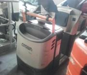 Préparateur de commandes au sol d'occasion - Capacité de levage2 000 kg - Année : 2011