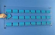 Présentoir cartes magnétiques - En plexiglas - Mural