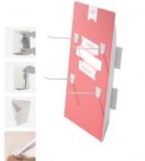 Présentoir en carton avec crochets - Dimensions : l 250 x H 350 mm