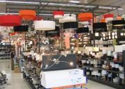Présentoir luminaire pour magasin - Adaptable à tout type de magasin