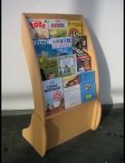 Présentoirs pour revues ou BD en mélaminé hêtre (dos en PVC blanc) - PxLxH: 43x78x125 cm