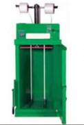 Presse à balle verticaleautomatique - Dimensions des balles en mm : 1100 x 1100 x 800