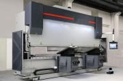 Presse plieuse hydraulique - Capacité : de 75 tonnes / 2,5 mètres à 1600 tonnes / 11 mètres