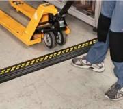 Protege cable PVC - Dimensions (m) : 0.2 x 1.5 - 35 mm