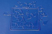 Puzzle plexi - 37 pièces - Dimensions (L x l) : 39 x 34 cm
