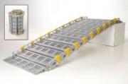 Rampe d'accès enroulable - Longueur de 1,22 à 3,36 m -  2 largeurs : 0,76 et 0,91 m