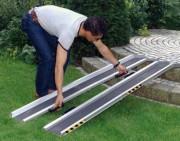 Rampe d'accès handicapé pliable - Capacité : de 270 à 310 Kg/paire