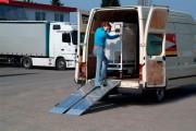 Rampe de chargement repliable en aluminium - Charge maxi : de 255 à 975 kg/unité