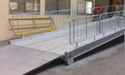 Rampe de quai fixe - Courbée - Grillagée - Capacité : 680 Kg