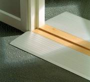 Rampe de seuil en aluminium - Couleur Alu nature - Dénivelé maximum recommandé : De 4 à 9 cm