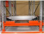 Rayonnage avec tiroirs à palettes - Stockage jusqu'à 5 palettes l'une derrière l'autre.