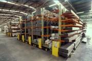 Rayonnage métallique électrique - Capacité: 200 et 400 palettes - Mobile