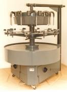 Remplisseuse rotative semi-automatique motorisée - Rendement : 1100 Litres/h