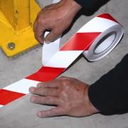 Ruban de marquage au sol autocollant - Dimensions : 30 m x 50 mm
