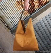 Sac à main en cuir de vachette - 2 pochettes : pour cartes et GSM - Couleur : Marron et beige