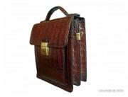 Sacoche en cuir de vachette - Dimension (H x l) : 22 x 19 cm - Maroquinerie de luxe