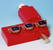 Serrure à pêne à 3 entrées de clé - Verrouillage des énergiesX000P -