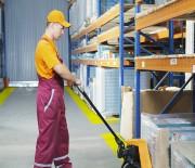 Sols garage atelier - Dalles PVC clipsables - Capables de supporter des charges jusqu'à 500 kg/cm². Si une dalle était détériorée, il suffit de la remplacer. Prix incomparable avec les béton ciré, époxy, résines ou autres. Pas de problème de fissures, de détérioration ou autres inconv
