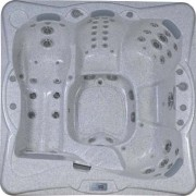 Spa encastrable - Design et Confort : 50 jets - Dimensions 212x212x84cm