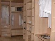 Spécialiste en aménagement de placard et dressing - Dressing de luxe composé de divers éléments modulables