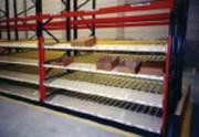 Stockage dynamique pour bacs et cartons intégré dans le palletier - Stockage pour bacs et cartons