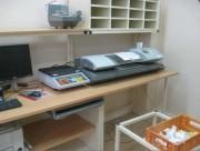 Support pour machines traitement courrier - Ce mobilier est réglable selon vos besoins