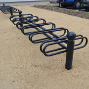 Support vélo bretagne - Doubles anneaux, cintrés et soudés, en tube Ø 22 x épaisseur 1,5 mm.