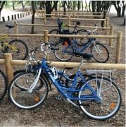 Support vélo tout bois - Hauteur totale : 700 mm - Traverse 46 x 90 x 2000 mm