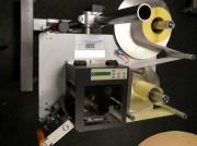 Système d'impression et d'étiquetage - Vitesse de dépose jusqu'à 50 m par mn - Cadence jusqu'à 40 poses par mn