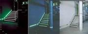 Système de marquage photoluminescent sur mur
