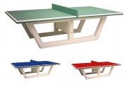 Table de ping-pong en béton armé - Dimensions : L 274.50 x l 152.50 x H 76 cm.